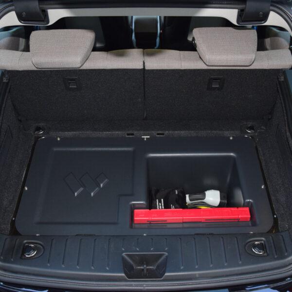 Kofferraumerweiterung installiert und gefüllt